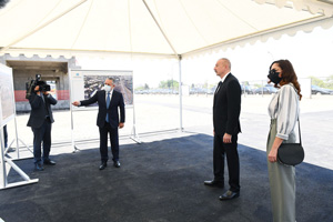 Ilham Aliyev become familiar with the constriction of the residential complex being built by the State Housing Development Agency in Ganja city